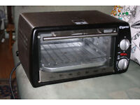 Toaster oven, healthier alternative to a microwave, grill, cook bake and roast in this little cooker