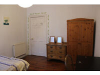 *Perfect location* double room available short-term