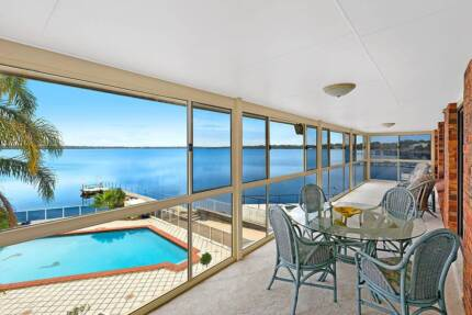 Reliable, clean working couple looking for a new home on the GC Broadbeach Waters Gold Coast City Preview