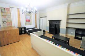 Studio flat in Craven Street, Charing cross
