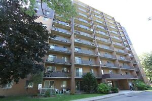 Royal Oak Towers - Berkshire Apartment for Rent Sarnia Sarnia Area image 4