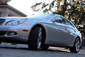 2008 Mercedes-Benz CLS 550 Sport Luxury Sedan. Oakville / Halton Region Toronto (GTA) image 2