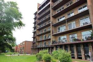Bayview Apartments: Apartment for rent in Hamilton Mountain