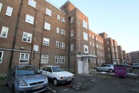 FIVE MINS TO BROMLEY BY BOW STATION ONE BED/STUDIO W/ PRIVATE GARDEN TO RENT -CALL TO VIEW!