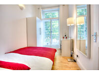 Large double bedroom with fantastic ceiling height in flat right next to Southwark tube!