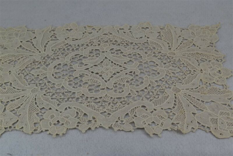 table lace placemats needle lace 12 matching runner off white antique vg