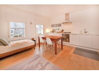 2 bedroom flat in Countess Road, Kentish Town, NW5