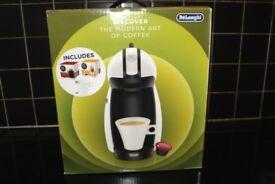 New DeLonghi Piccolo white Nescafe Dolce Gusto starter pack