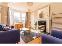 Fantastic, 2 bedroom, 3rd floor, furnished flat in Bruntsfield – available May