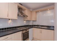 1 bedroom flat in Gordon Woodward Way, Rivermead Park, Oxford