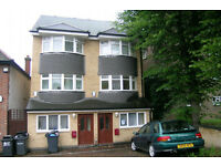 Spacious Double in a fabulous house. A home not just a room!!! All bill incl.