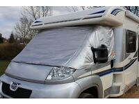 Motorhome insulated windsceen cover