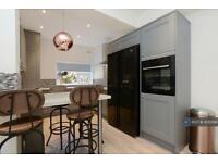 6 bedroom house in Teversal Avenue, Nottingham, NG7 (6 bed)