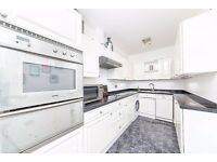 Rainbow Quay SE16 - 892 sq. ft. two bedroom apartment with private balcony