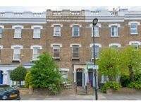 2 bedroom flat in Dunollie Road, Kentish Town, NW5