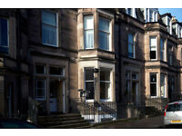 STUNNING CENTRALLY LOCATED TOWNHOUSE IDEAL FOR POSTGRADUATES AND PROFESSIONALS