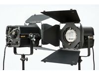 Hedler photo & video lighting kit. 2x 2000 watt heads & accessories.