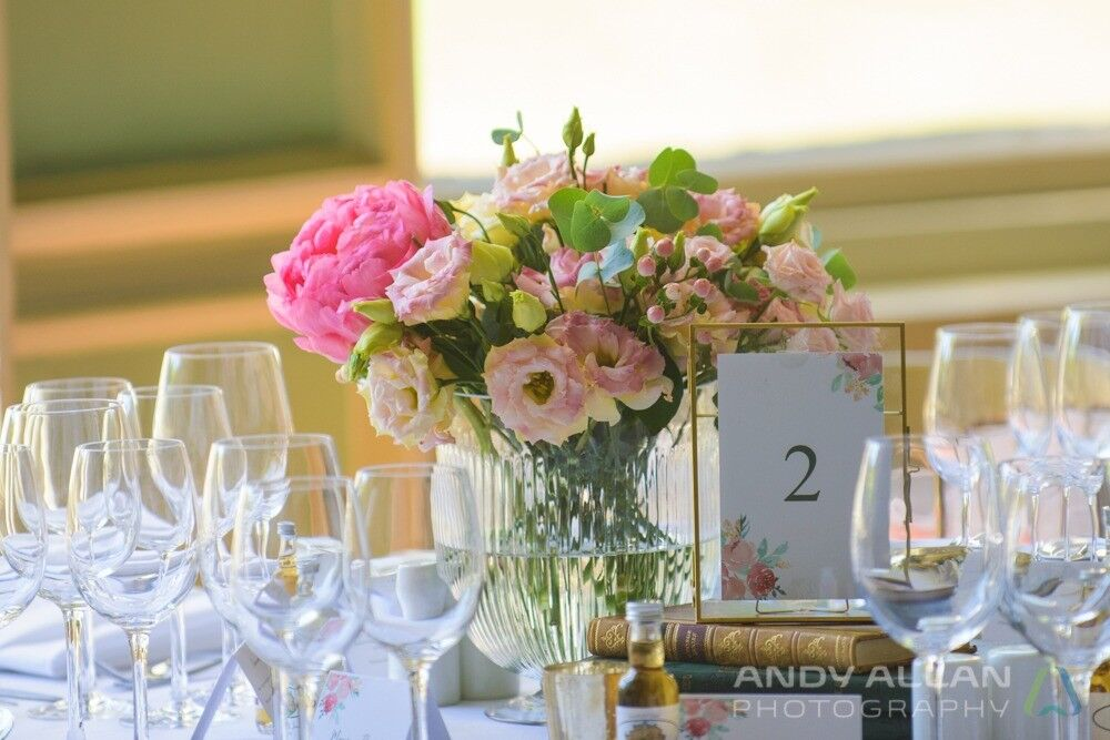 9x Victorian Hurricane Ribbed Vases Perfect For Wedding