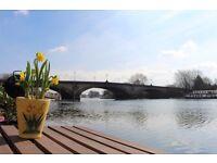 2 Bedroom houseboat in exclusive Kew Bridge area next to £1million flats