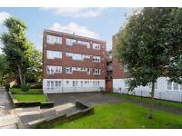 3 bedroom flat in Warden Road, Kentish Town NW5