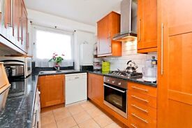 SPACIOUS 4 DOUBLE BEDROOM APARTMENT MOMENTS FROM KENTISH TOWN UNDERGROUND- PERFECT FOR STUDENTS