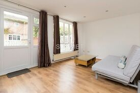 3 Bedroom Flat with Garden in Hampstead