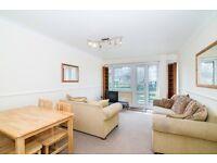 3 bedroom flat in Grafton Road, Kentish Town NW5