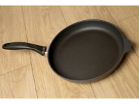 Swiss Diamond 28cm Frying Pan Excellent condition, ultimate in non-stick