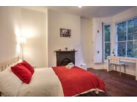 * Fantastic large double room between Kennington and Vauxhall - available May 2016!
