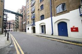 Amazing Studio Apartment London Tower Bridge Shad Thames in Saviours Wharf SE1 Warehouse conversion