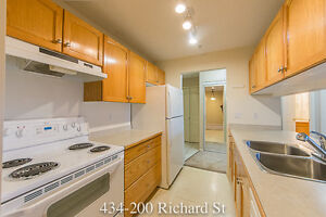 434-200 Richard St 2 Bed 2 Bath Unfurnished Condo