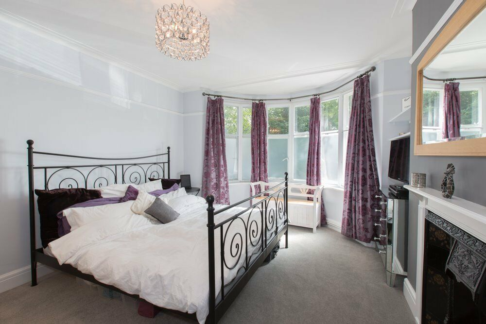 2 big rooms for rent in Clapham