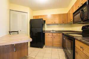$300 DISCOUNT ON THE 1ST MONTH! 2PKG STALLS! 2bed/2bath