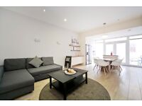 3 bedroom house in Grafton Road, Kentish Town NW5
