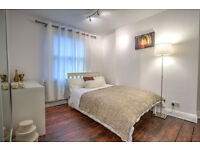 Bright, large double room in great location on Kennington Lane!