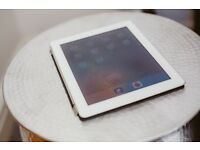 Apple iPad 2 16GB, Wi-Fi, 9.7in - White in Good Condition with Apple Case
