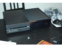 Xbox One 500GB - With games