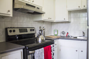 Pet Friendly 3½ in CSL! Renovated & Spacious!