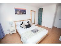 Fantastic room in *ANGEL* only £180PW!!! N1 built in wardrobe! parking available