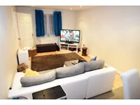 Beautifully Presented, Spacious 4 Bed Town House in Great Cambourne