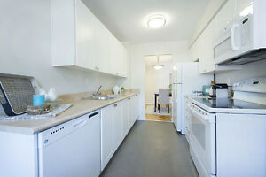 RARE 3 bedroom apartment for rent behind Fairview Mall! Kitchener / Waterloo Kitchener Area image 3