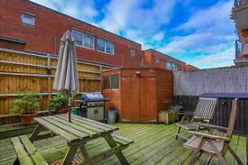 3 bedroom flat in Phoenix Road, Kings Cross NW1