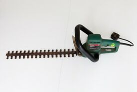 BOSCH Hedge Trimmer 460mm cut. BARGAIN! I don't have a hedge any more!