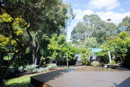 Beautiful Family House Close to CBD with a Country Feel