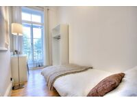 Lovely single room in fantastic period property close to Southwark tube!