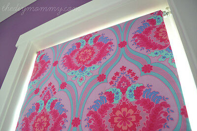 Replace a boring blind quickly! Image: thedesignmommy.com