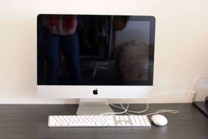 """iMac 2010 21"""" 3.06ghz 4GB ram Yosemite OS EXCELLENT condition Carlton North Melbourne City Preview"""