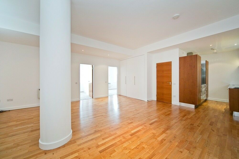 2 bedroom flat in Grafton Yard, Kentish Town NW5
