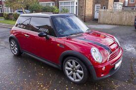 Mini Cooper 2004. Low mileage. Excellent condition.