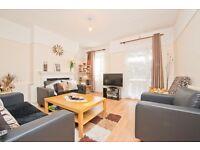 4 bedroom flat in Maitland Park Villas, Chalk Farm NW3